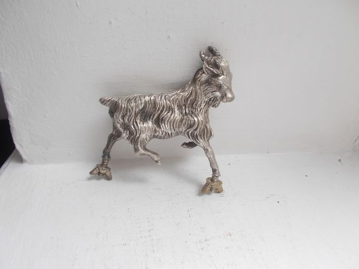 Insigne - Vintage Goat / Ram  lorry chrome mascot fine detail with fixings nuts - 1930-1960