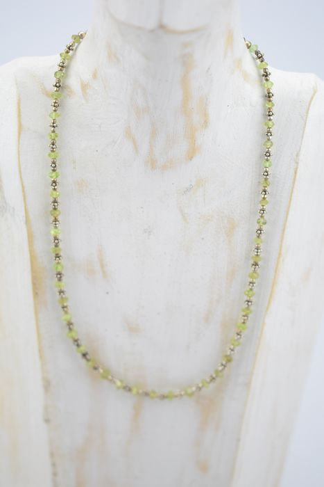 Faceted Peridot necklace - with silver links - 14 g
