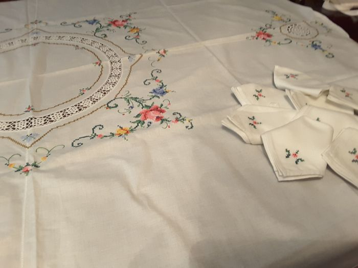 tablecloth with napkins (9) - Cotton - Second half 20th century
