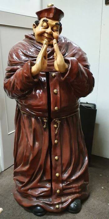 Huge praying Father (cupboard) - 200 cm - Resin