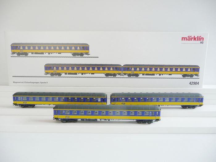 Märklin H0 - 42904 - Lot de transport de passagers - Set de voiture avec 3 wagons ICK Express - NS