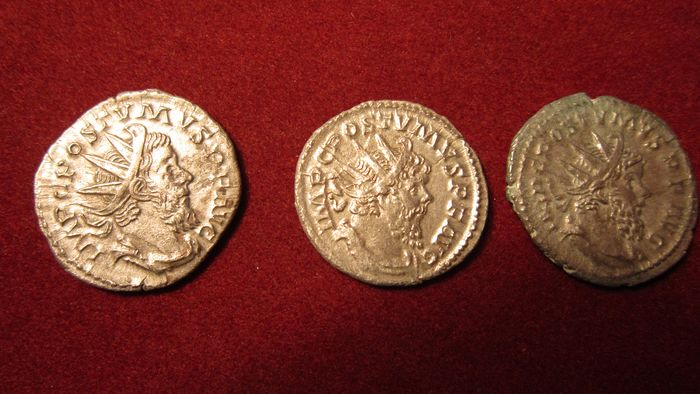 Roman Empire - Lot comprising 3 Antoniniani: Postumus (AD 260-269) - Silver
