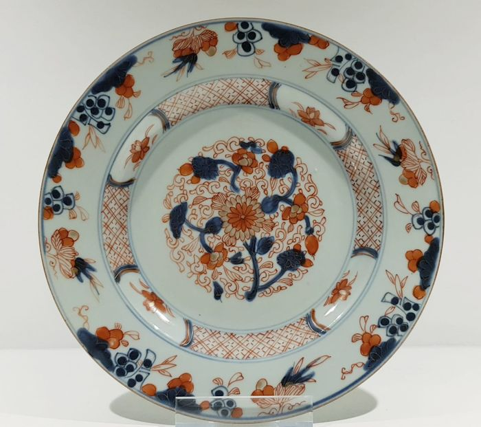 Assiette (1) - Imari - Porcelaine - Fleurs - Beautiful Kangxi Imari Plate with Gold - Chine - Kangxi (1662–1722)