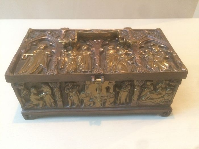 Ornamental box - Gothic - Bronze