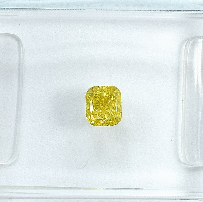 Diamant - 0.29 ct - Coussin - Natural Fancy Intense Orangy Yellow - VS1