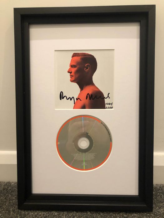 Bryan Adams - Shine a Light CD Autographed - Multiple titles - CD, Limited edition, Signed memorabilia (original authograph) - 2019/2019