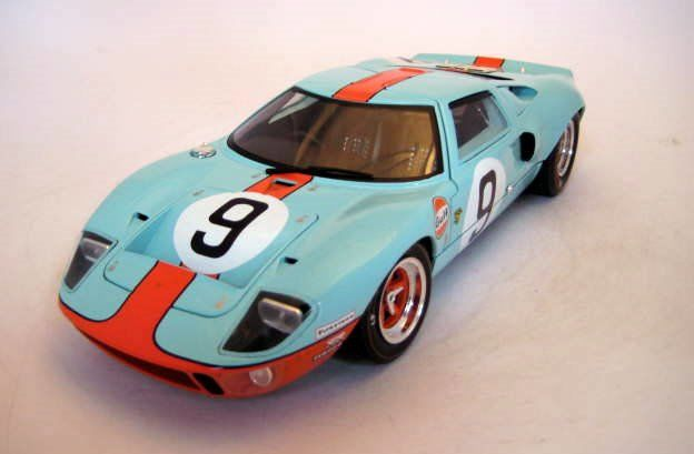 Solido - 1:18 - Ford GT40 #9 Luchien Bianchi/Pedro Rodriguez Winners Le Mans 1968 - Mint Boxed - Beperkte editie