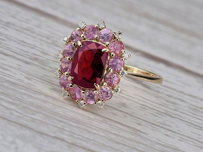 14 carats Or - Bague - 1.24 ct Spinelle - Diamants, Saphirs