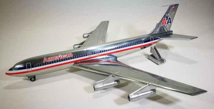 Corgi.  The Aviation Archives. AA32907. - Modelo de escala, Boeing 707-323C - American Airlines - 1979 - Zamac