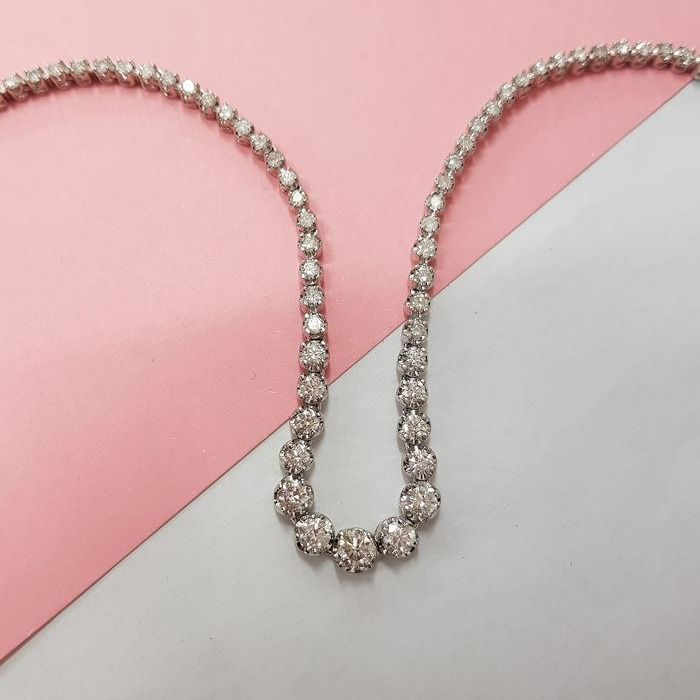 14 carats Or blanc - Collier - 7.40 ct Diamant