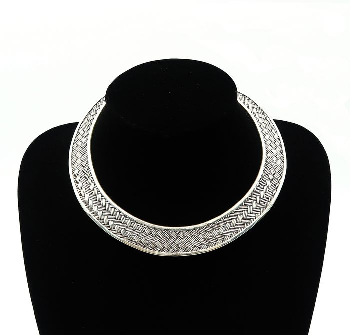 Large braided torque in sterling silver - Sterling silver 925 - Burma - 21st century