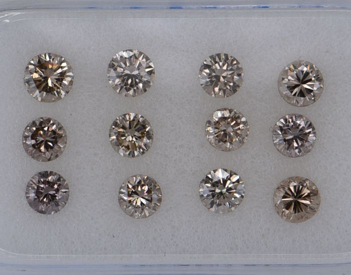 12 pcs Diamant - 1.08 ct - Rond - fancy light pinkish brown - SI1, VVS1, No Reserve Price!