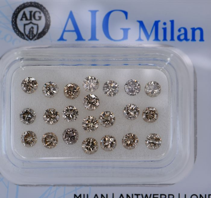 22 pcs Diamant - 1.73 ct - Rond - fancy light brown - SI1, VVS1, No Reserve Price!