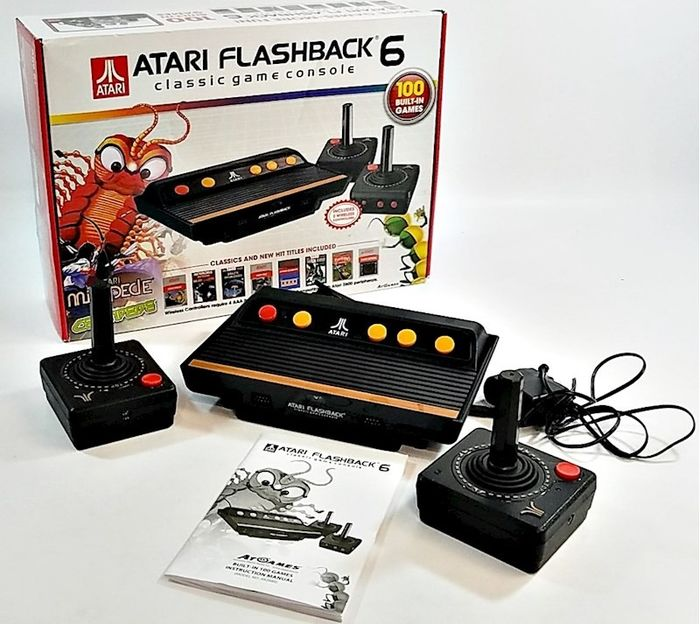 1 Atari Flashback 6 Classic Game Console - with 2 wireless controllers and 100 built-in 100 games - complete - Consola (100) - En la caja original