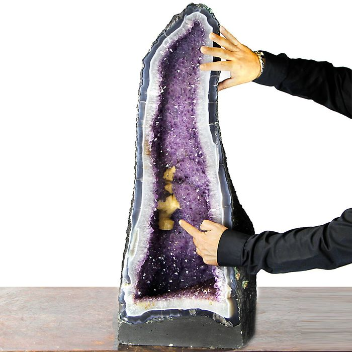 Very Rare Calcite germination in big Amethyst Cathedral - 88×32×28 cm - 68 kg