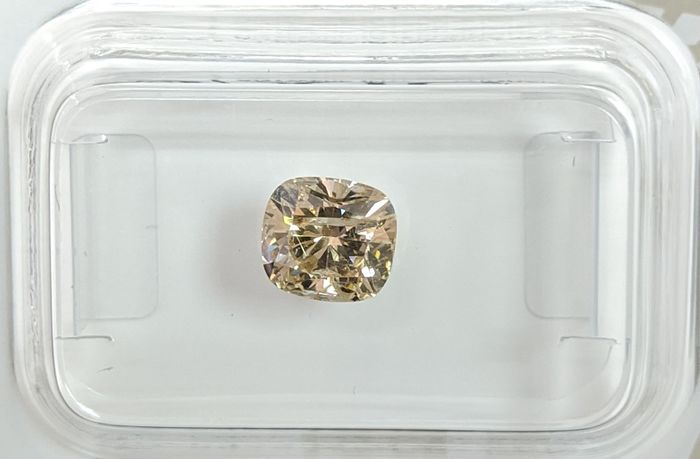 Diamant - 1.05 ct - Coussin - fancy light brownish yellow - SI3, No Reserve Price