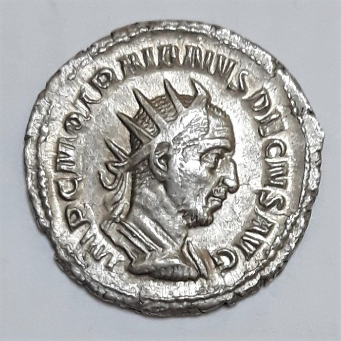 Empire romain - AR Antoninianus, Trajan Decius (AD 249-251) - ADVENTVS AVG - Argent