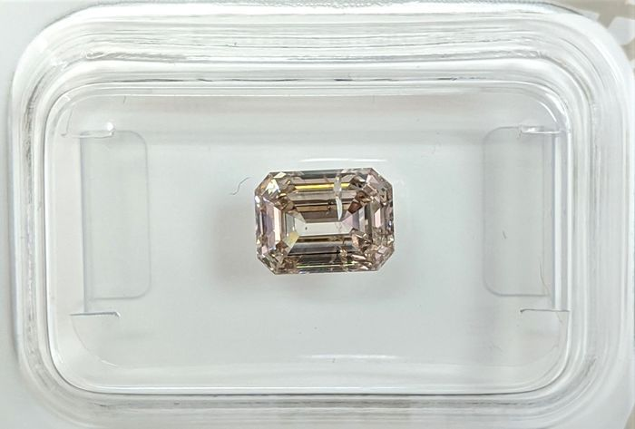 Diamant - 1.31 ct - Émeraude - fancy light brown - SI1, No Reserve Price
