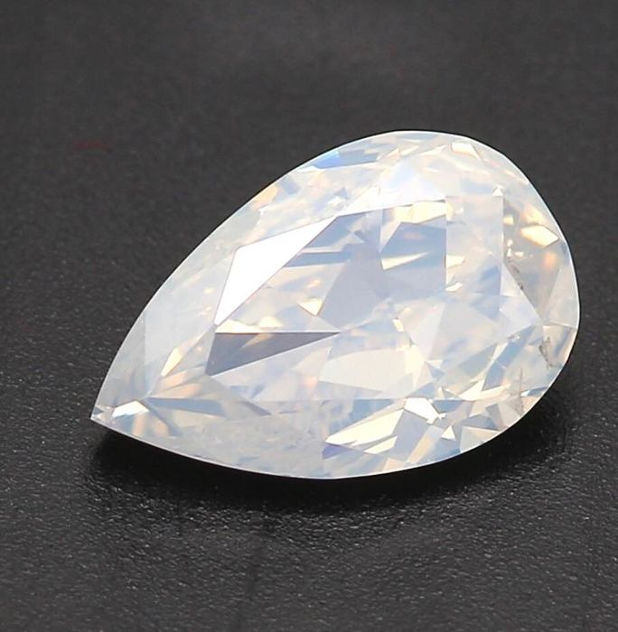 1 pcs Diamond - 0.64 ct - Pear - fancy white - Not mentioned on certificate