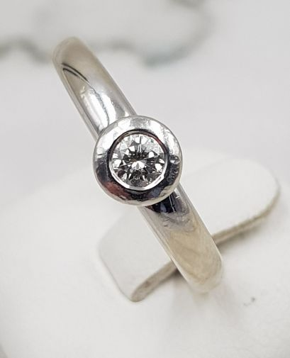 CHRIST - 14 karaat Witgoud - Ring - 0.15 ct Diamant