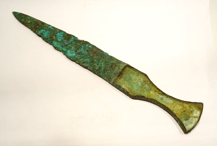 Luristan Bronze Sword or large Persian dagger / Luristan bronze handle with inlay - 26.8×3.2×0.9 cm