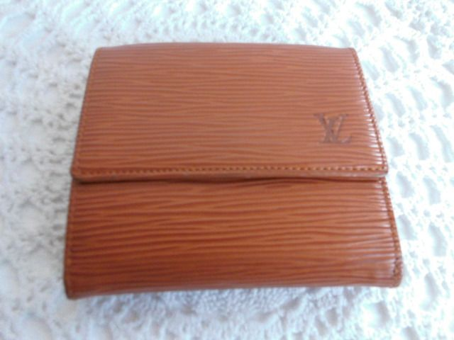 Louis Vuitton Unisex ***No Reserve Price*** - Epi Elise Bifold Cartera