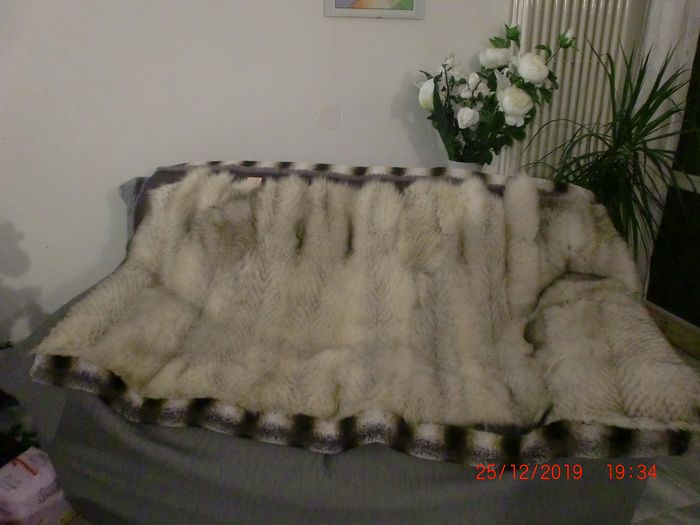 fur throw / fur blanket (1) - real blue fox fur on one side and premium faux fur the other side - 2019