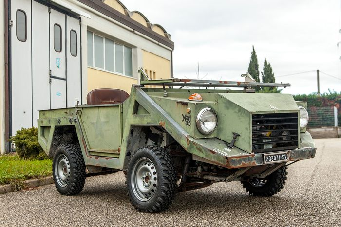 Delta - Yeti 850 - 4X4 with four directional wheels - NO RESERVE PRICE - 1972