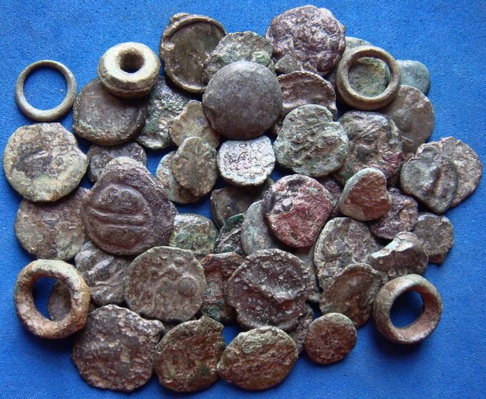 Grecia (antica) -  Lot of 56 AE Potin coins, Gaul (3rd-2nd Cent. BC.) incl. proto money