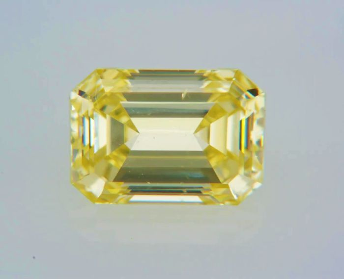 1 pcs Diamante - 0.42 ct - Esmeralda - fancy yellow - VS1