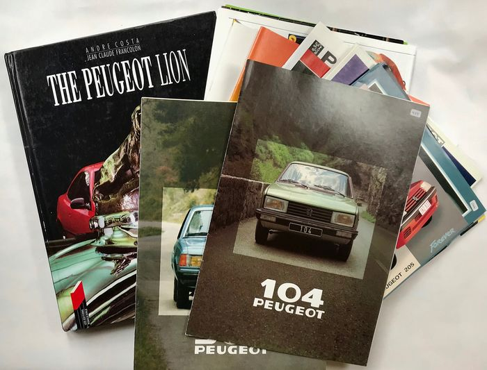 Livres - 1 x excellent Peugeot history book and 25 x brochures, covering Peugeot range from 1978 to 2000! - 1978-2000