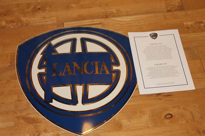 Bord - Lancia Gold Plated Dealership Wall Sign With Authentication Certificate - Lancia - 1980-1990