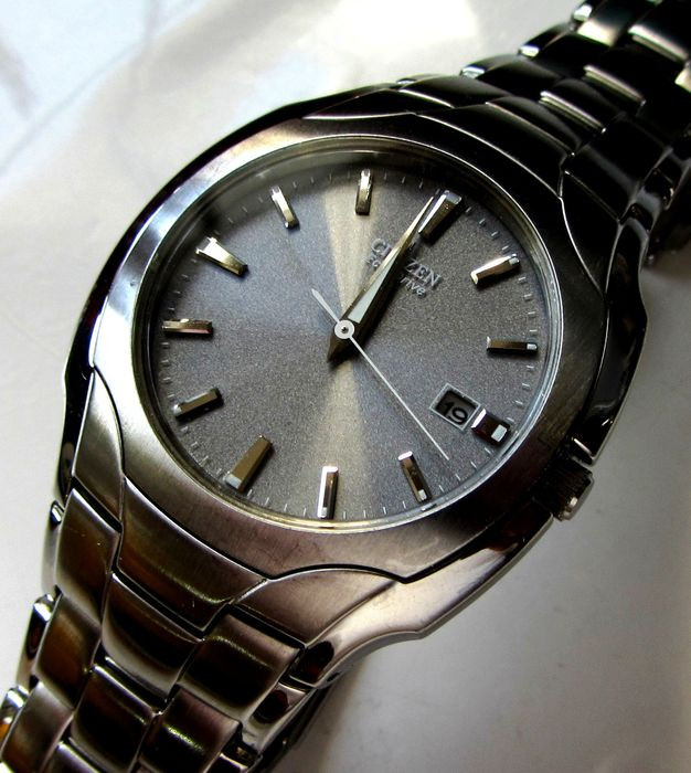 Citizen - Eco Drive 38mm mid size brushed / polished 50m w.r. date watch - BM6010-55A E111-s022240 - Homem - 2011-presente