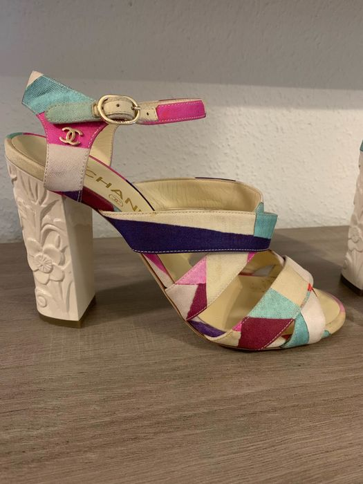 Chanel Chaussures ouvertes - Taille: FR 39