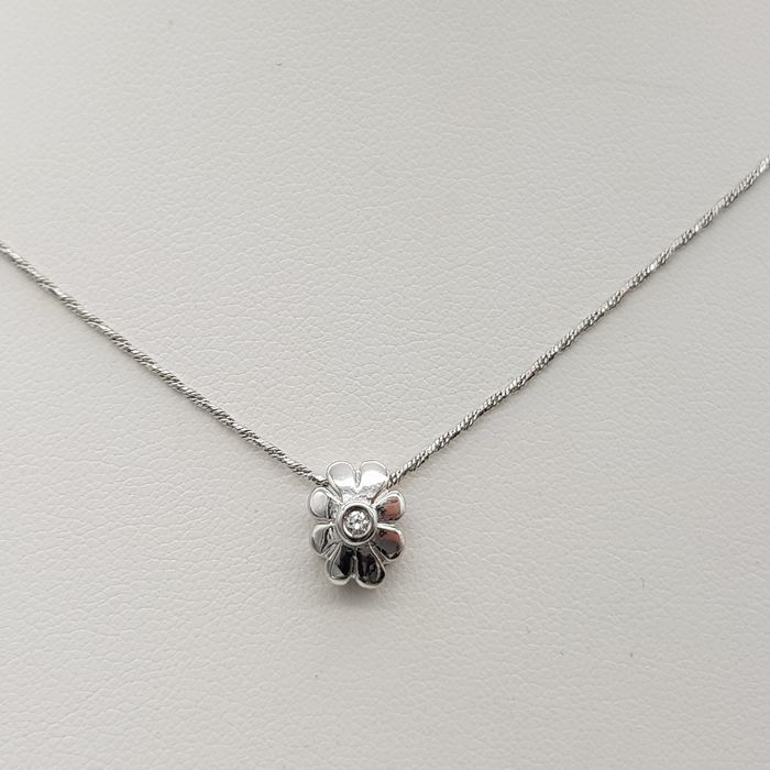 18 kt. White gold - Necklace with pendant - 0.02 ct Diamond