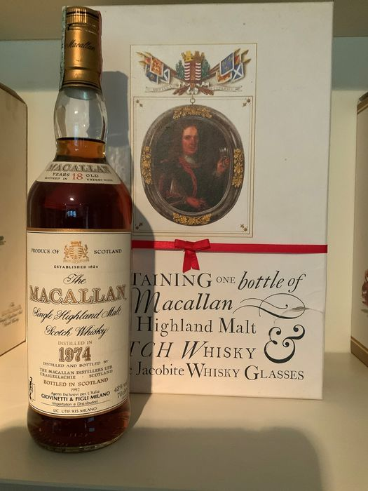 Macallan 1974 18 years old Gift box with 2 Jacobite Whisky Glasses - Original bottling - 70cl
