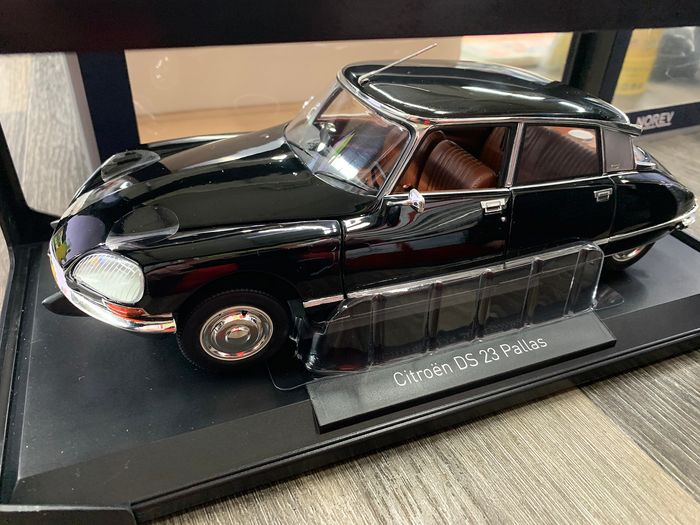 Norev - 1:18 - Citroen DS 23 Pallas - 1974