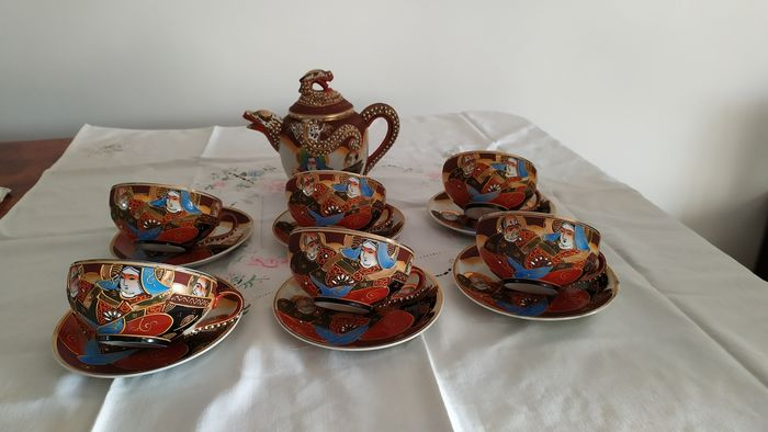 Beautiful Japanese tea service for 6 people with teapot (13) - very fine porcelain - Japan - Late 20th century