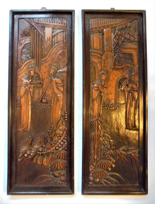 Wandpaneele (2) - Holz - A pair of Finely Carved Chinese Figural Wall Panels - China - Zweite Hälfte des 20. Jahrhunderts
