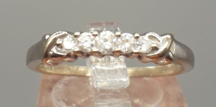 LOT 210 Diamond (0.15ct)  - 18 carats Or jaune - Bague