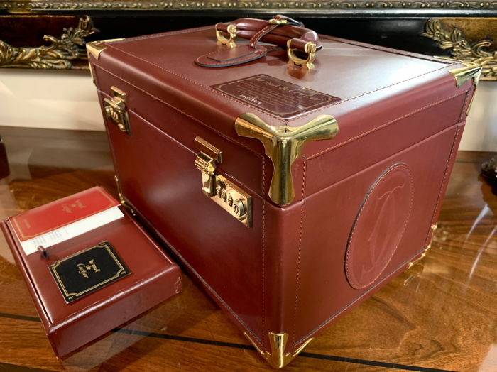Cartier - Burgundy leather Train schoonheidskoffer
