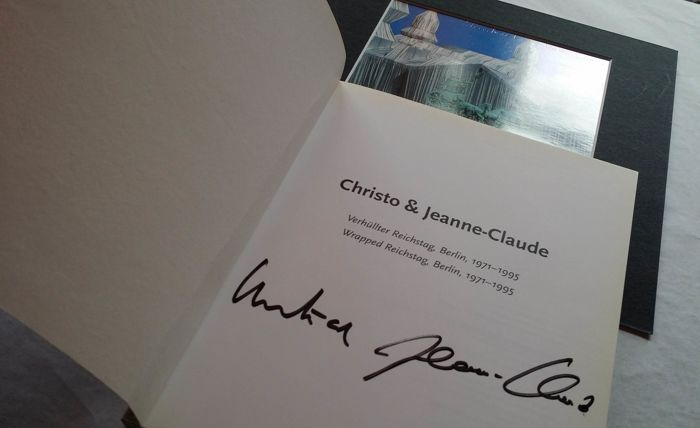 Signed; Christo and Jeanne Claude - Wrapped Reichstag: The Project Book - 1995/1995 Books for sale