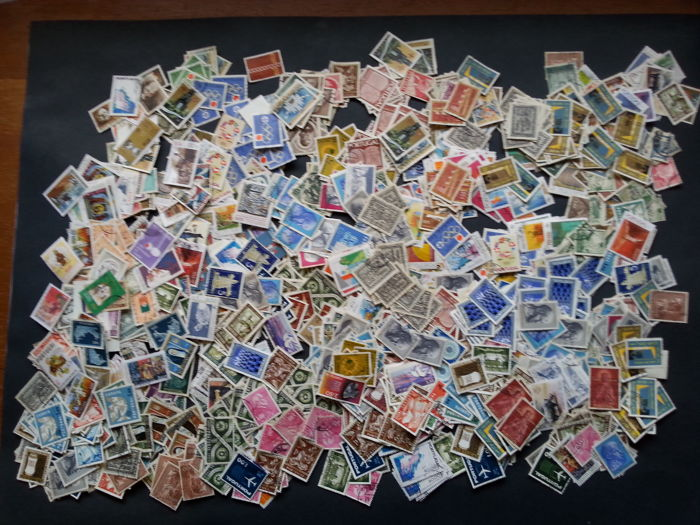 Portugal 1900/1990 - Box with +-15,000 Stamps, a lot of variety