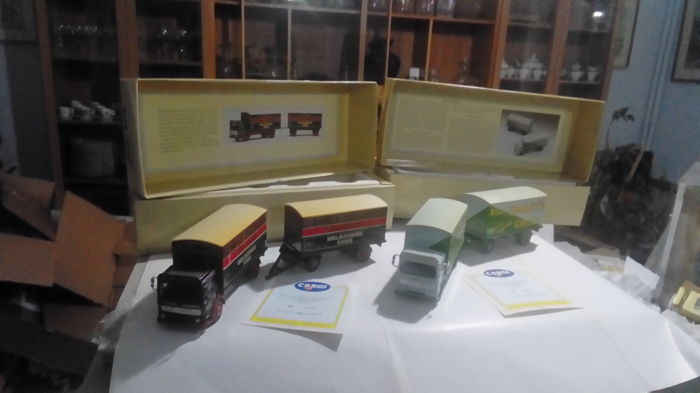 Corgi - 1:50 - AEC Mercury Truck & Trailer Billy Smarts & S. Houseman - Limited edition
