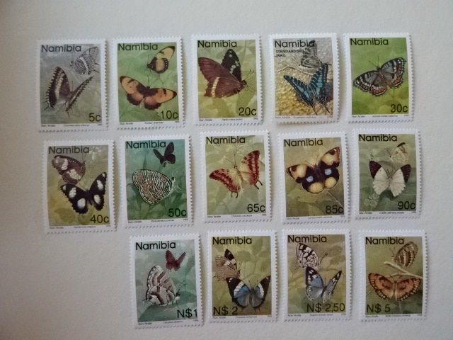 World - Animal motif on stock cards