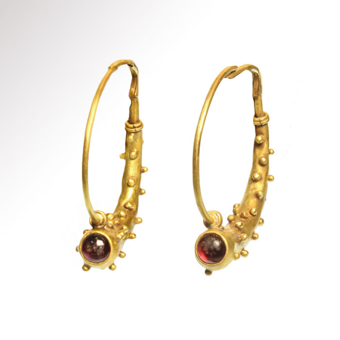 Romain antique Or Boucles d'oreilles en grenat, corne d'abondance