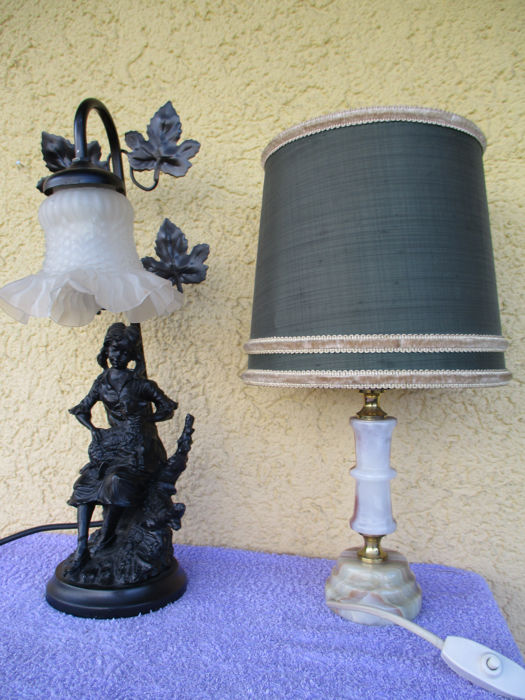 2 table lamps - Brass, Glass, Iron (cast/wrought), Onyx, Resin/Polyester