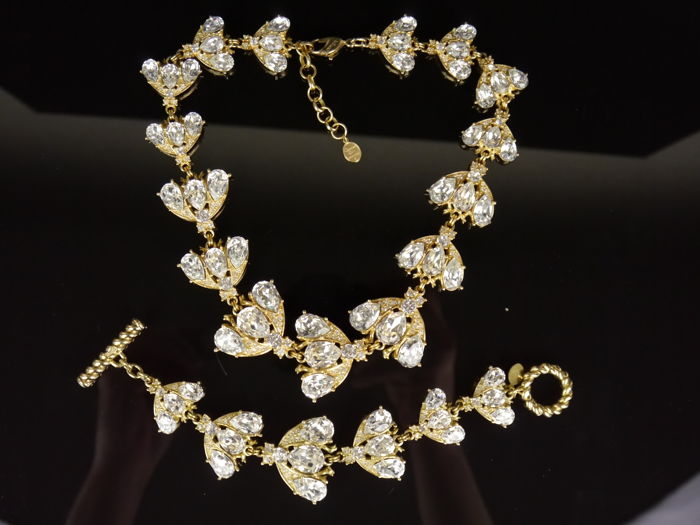 Christian Dior Germany - gilded - Necklace and bracelet with case.
