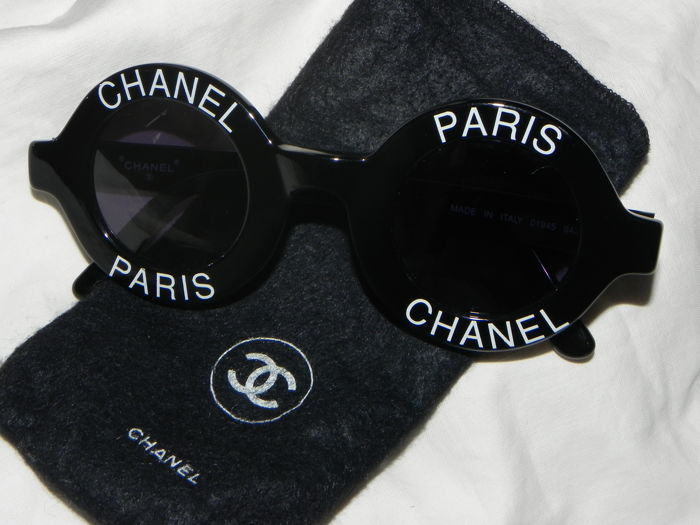 best price best choice official images Chanel Vintage Round Logo Sunglasses Circle Eye Wear Black White Italy -  Sunglasses - Catawiki