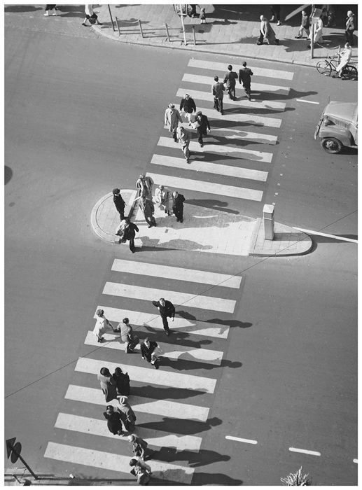 Kees Scherer (1920-1993) - Crosswalk in bird's eye view, Amsterdam, 1953